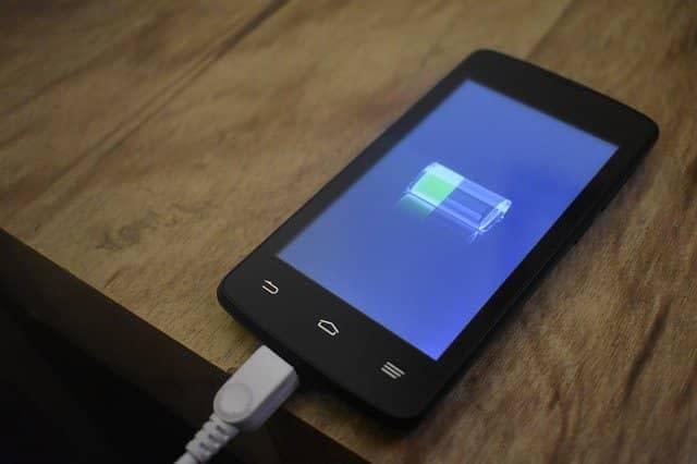 Smart Phone की Low Battery Problem कैसे ठीक करें 2021