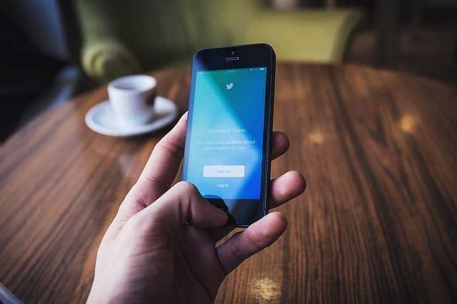 Smart Fone Hang होने से कैसे बचाये पूरी जानकारी हिंदी में